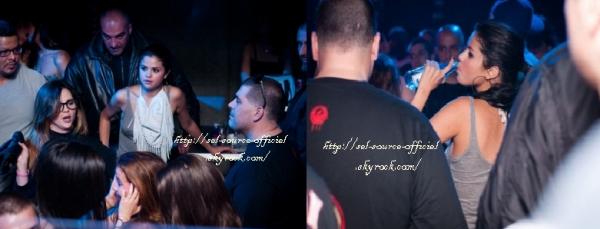 Selena était au Yalta Club avec sa maman et sa cousine vendredi soir !