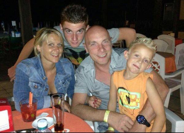 la famille d'abord <3