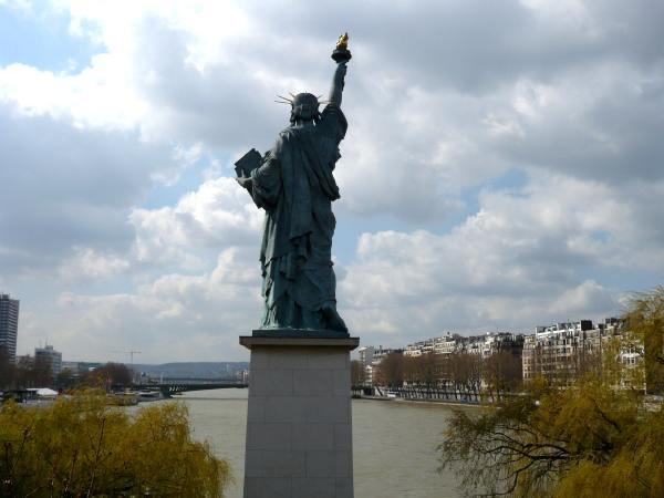 Statue de la Liberté, illuminati
