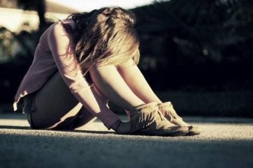 • Je ne suis qu'une fille banale, qui pleure quand tout va mal♥