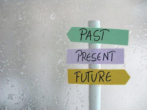 • Oublie ton passé qu'il soit simple ou composé, participe au présent et ton futur sera plus-que-parfait ♥