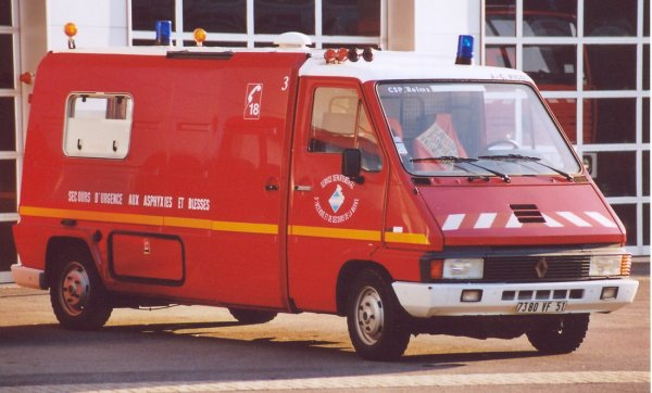 ANCIEN VSAB1 RENAULT MASTER T35L PHASE I PICOT REIMS-MARCHANDEAU