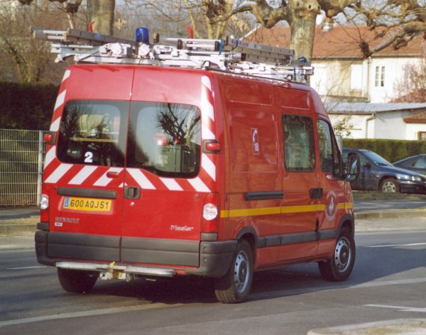 ANCIEN VTU2 RENAULT MASTER PHASE II T35 DCi REIMS-MARCHANDEAU