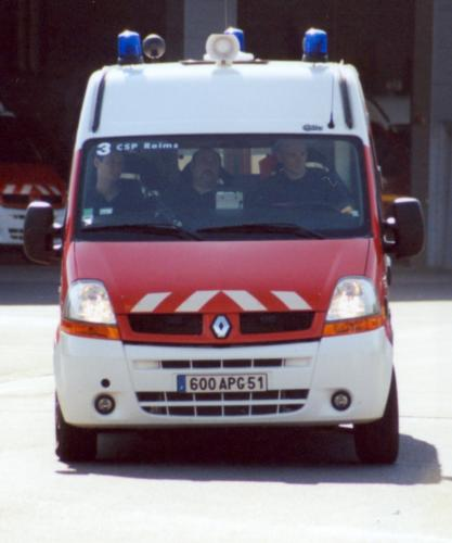 ANCIEN VSAV1 RENAULT MASTER PHASE II T35DCi GIFA REIMS-MARCHANDEAU