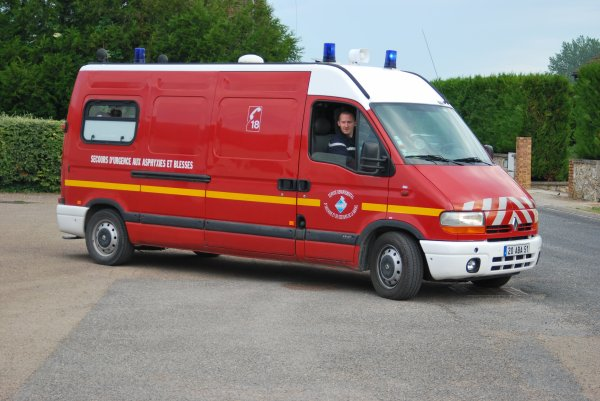 ANCIEN VSAV 3 RENAULT MASTER II 2.8DCI GIFA REIMS-MARCHANDEAU