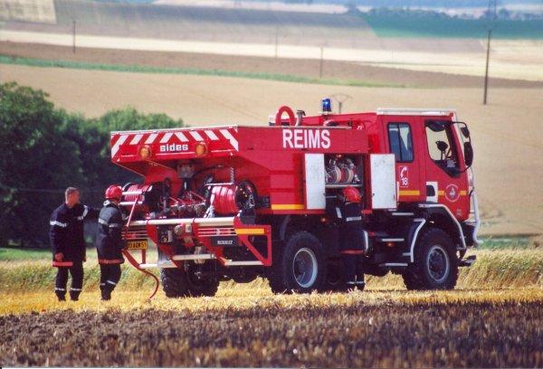 CCFM4200 RENAULT 220DCi SIDES REIMS-MARCHANDEAU