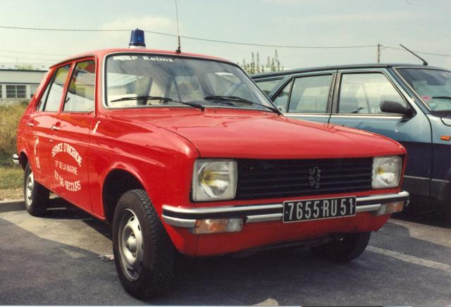 ANCIEN VL 5 PEUGEOT 104 ESSENCE REIMS-WITRY