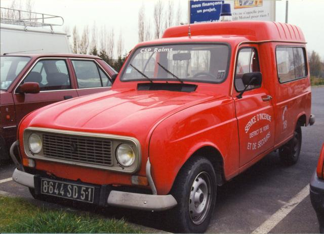 ANCIEN VL RENAULT 4 RL ESSENCE REIMS-WITRY
