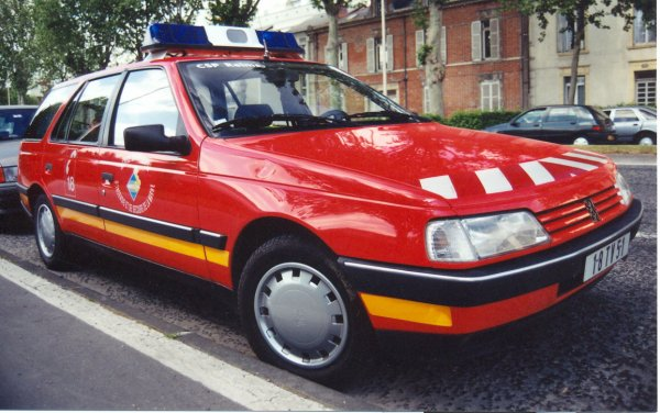 ANCIEN VLCG PEUGEOT 405 GRD BREAK REIMS-WITRY