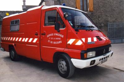 ANCIEN VSAB RENAULT MASTER T30 ALLONGE PICOT REIMS-WITRY