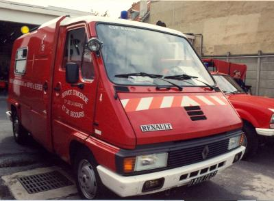 ANCIEN VSAB N°4 RENAULT MASTER PHASE I T30 PICOT REIMS-WITRY