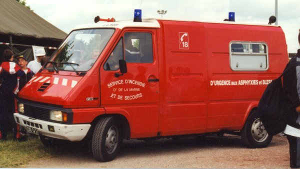 ANCIEN VSAB N°1 RENAULT MASTER PHASE I T30 PICOT REIMS-WITRY