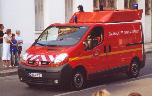 ANCIEN VBS RENAULT TRAFIC PHASE II DCi80 REIMS-WITRY