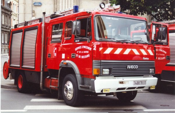 ANCIEN FPT N°2 IVECO 135-17 TURBO SIDES REIMS-WITRY