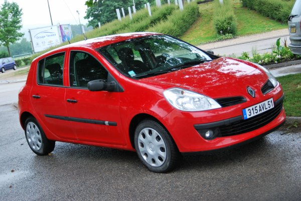 VLCC RENAULT CLIO PHASE III 1.9 DCi CSP EPERNAY