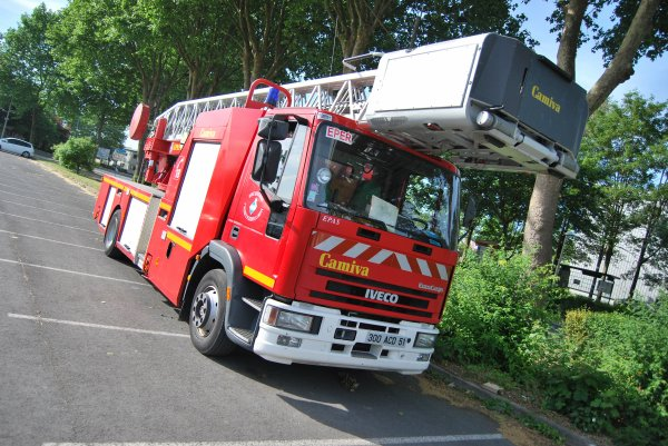 ANCIENNE EPAS N°1 IVECO 130E23 CAMIVA EPERNAY