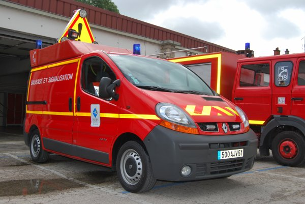 ANCIEN VBS RENAULT TRAFFIC PHASE II DCi80 VITRY-LE-FRANCOIS