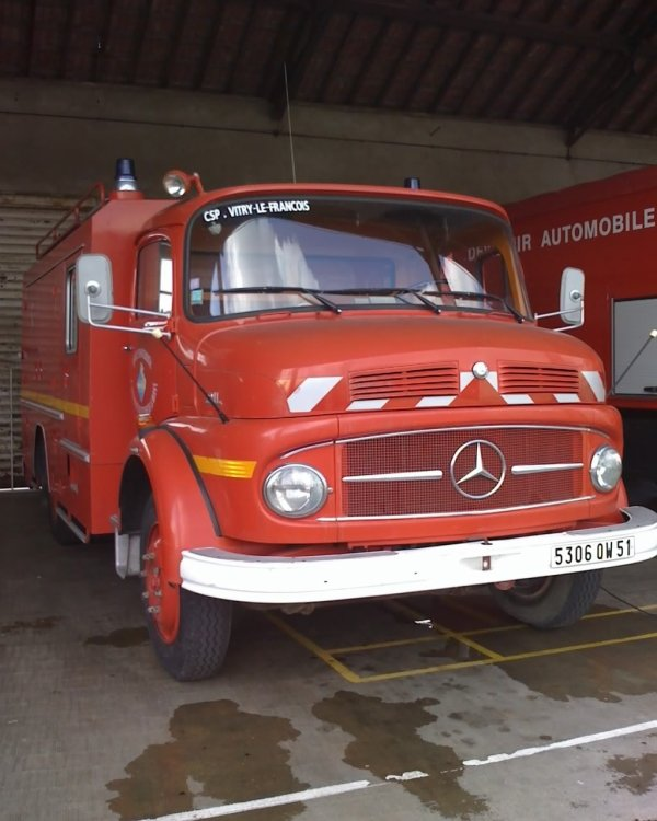 ANCIEN FMO MERCEDES DAL911 VITRY-LE-FRANCOIS