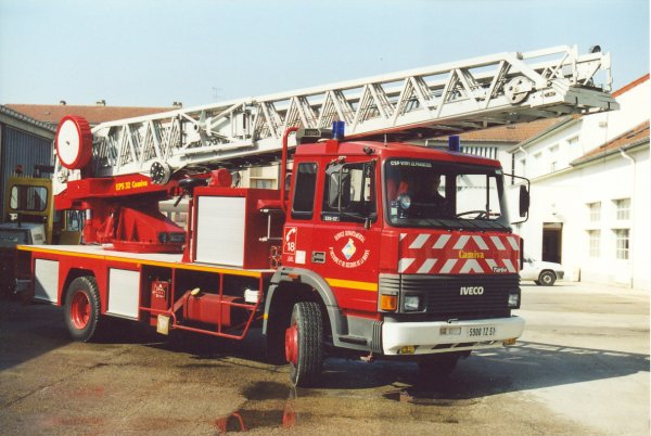 ANCIENNE EPS 32m IVECO 135-17 CAMIVA VITRY-LE-FRANCOIS