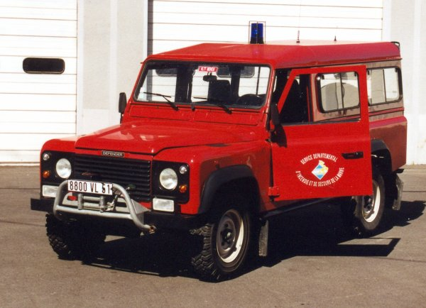 ANCIENNE VLHR LAND-ROVER DEFENDER 110TDS SAINTE-MENEHOULD