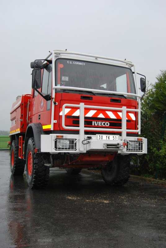 ANCIEN CCFM 4200L IVECO 130e23 SIDES CS CORMICY