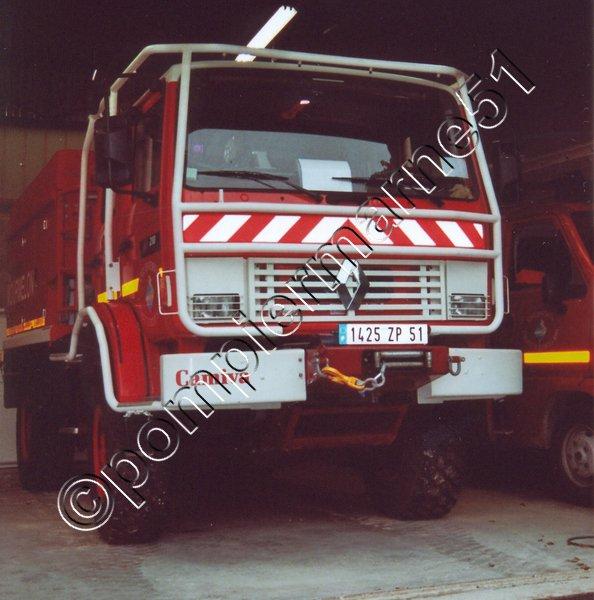 CCFM 4000L RENAULT M210 CAMIVA CIS MOURMELON-LE-GRAND