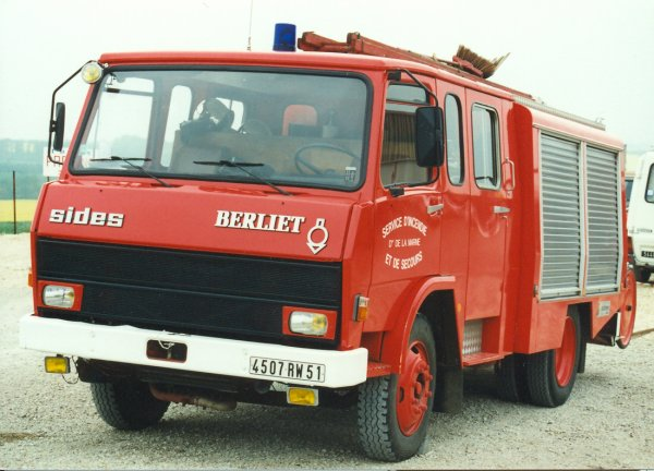 ANCIEN FPT BERLIET 770KB SIDES CS DORMANS