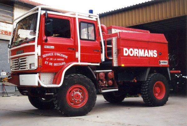 ANCIEN CCFM 3200L RENAULT 110-170 4x4 SIDES CS DORMANS