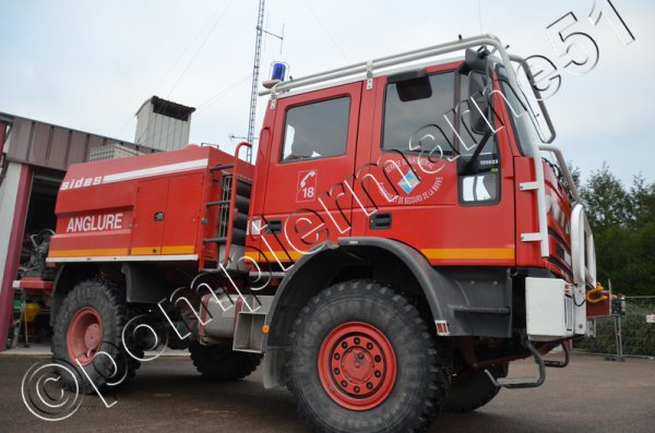 CCFM IVECO 135E23 SIDES CIS ANGLURE