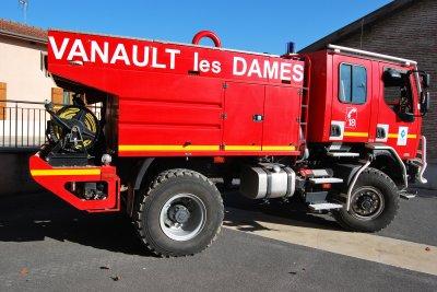 CCFM RENAULT 220DCi SIDES CIS VANAULT-LES-DAMES