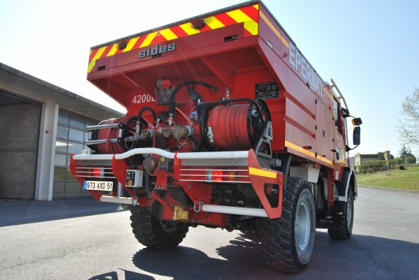 CCFM 4200 IVECO 160E30 SIDES EPERNAY