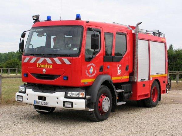 ancien fpt renault middlum 270dci camiva vitry le francois pompiermarne51. Black Bedroom Furniture Sets. Home Design Ideas