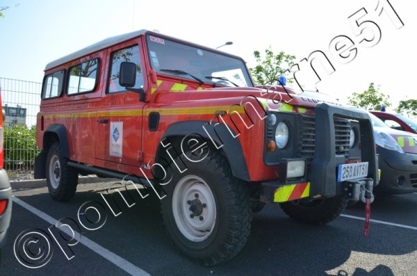 VLHR LAND-ROVER DEFENDER 110TDS CIS MOURMELON-LE-GRAND