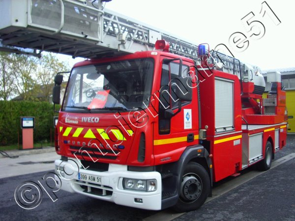 ANCIENNE EPS30 IVECO 140E24 RIFFAUD CSP VITRY-LE-FRANCOIS