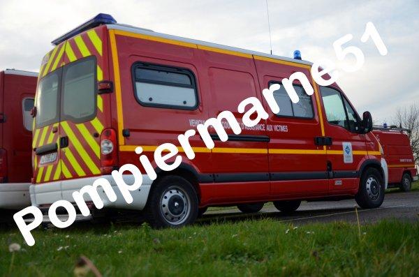 Renault Sezanne : vsav 2 renault master dci120 sanicar csp sezanne pompiermarne51 ~ Gottalentnigeria.com Avis de Voitures