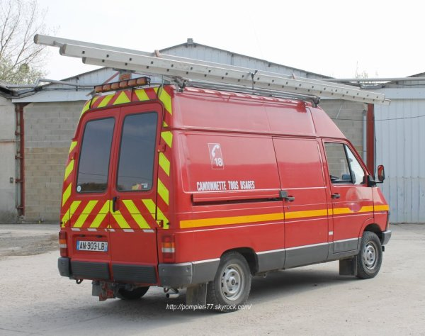 VIDHR RENAULT TRAFFIC 4X4 CPI SAINT-MARTIN-D'ABLOIS