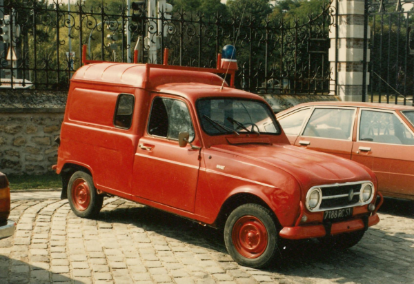 ANCIEN VLID RENAULT 4 TOLE CSP REIMS-WITRY