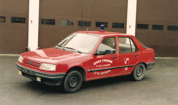 ANCIEN VL PEUGEOT 309 CSP REIMS-WITRY