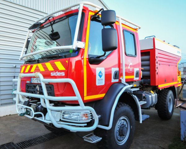 C.C.F.M. 4000 RENAULT TRUCKS SIDES CSP REIMS-WITRY
