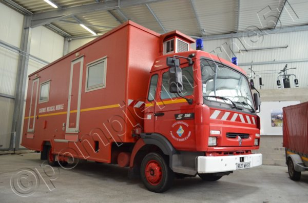 CAMION MEDICAL MOBILE RENAULT MIDLINER S150 SDIS DE LA MARNE