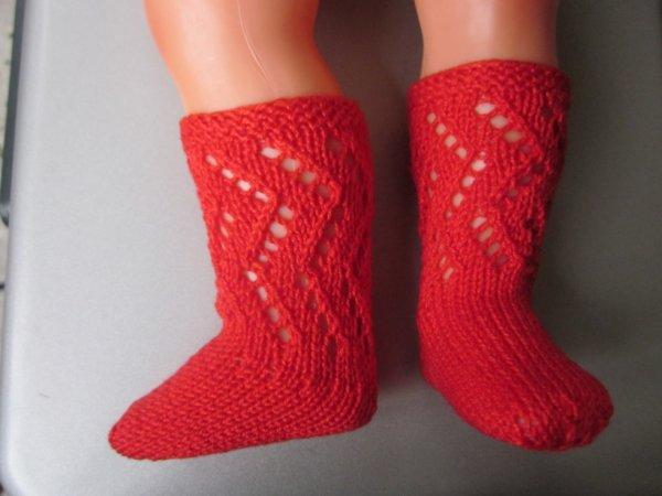 Des chaussettes pour poupées