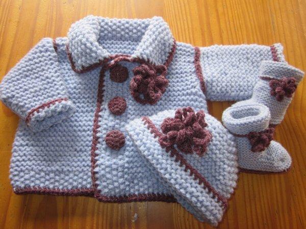 b6b01ab6d1019 Ensemble en laine bébé brassiere bébé tricot facile