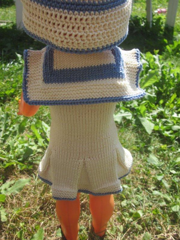 Robe de plage pour notre petite Françoise.