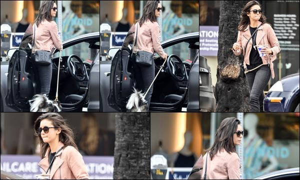 13.05.2019   ▬ Nina Dobrev a été aperçue quittant le   « Bluestone Lane Cafe » qui est situé dans Los Angeles Dans la même journée la belle Nina Dobrev a été aperçue promenant sa chienne Maverick, un top pour sa tenue