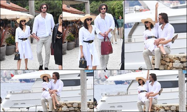 21.05.2019   ▬ Nina avec son chéri Grant Mellon ont été vu à « La Guerite restaurant » à Cannes (France) C'est main dans la main avec un nouveau petit ami que l'on retrouve Nina , elle a vraiment l'air très heureuse