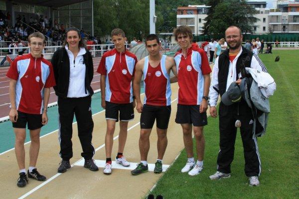Et une équipe pour les championnats de France 2011 ! Avec les coachs évidemment !