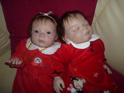 Mes princesses de 2011 vous souhaient JOYEUX NOEL