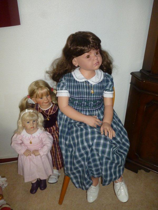 les filles regardent la tèlè ..........