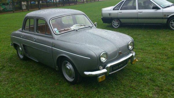 Expo voiture ancienne (77) montereau