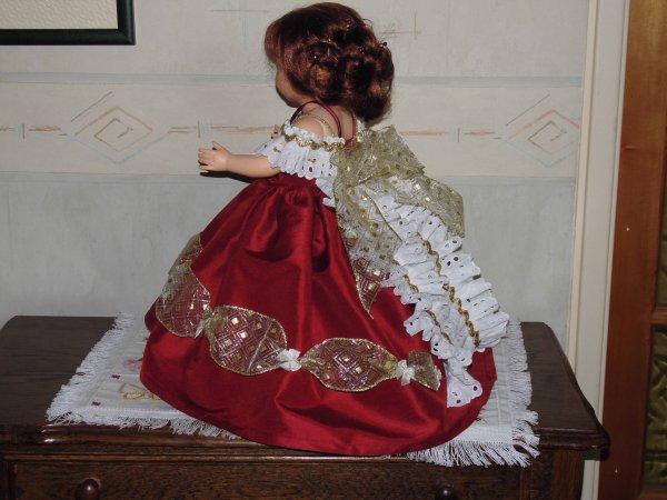 Mado habillée en Sissi